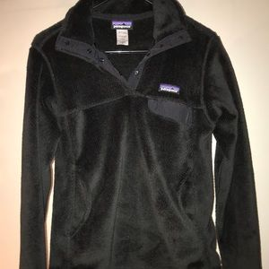 Black Patagonia pull over